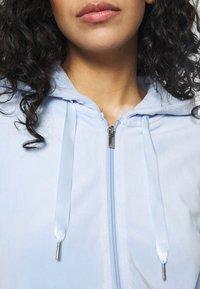 Gina Tricot - CECILIA HOODIE - Zip-up sweatshirt - pop blue - 4