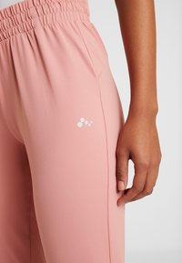 ONLY Play - ONPJAVA LOOSE PANTS - Pantalones deportivos - dusty rose - 4