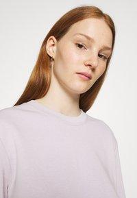 ARKET - NO HOOD - Sweatshirt - light lilac - 3