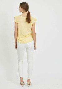 Vila - Basic T-shirt - sunlight - 2