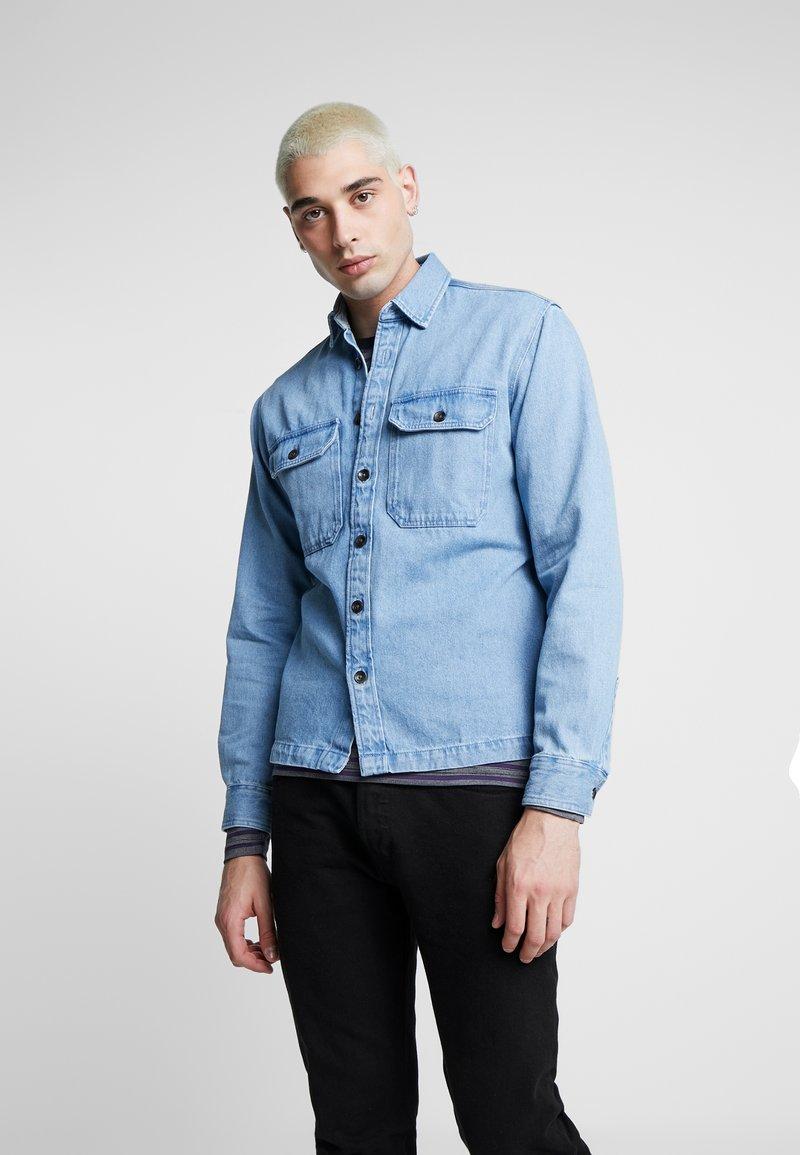 Jack & Jones - JJIPETE - Camisa - light blue denim