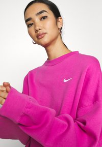 Nike Sportswear - CREW TREND - Sweatshirt - active fuchsia/white - 3