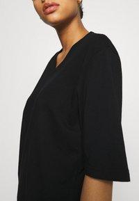 Filippa K - MATILDA VNECK TEE - T-shirt - bas - black - 4