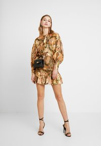 Thurley - TANGLEWOOD BLOUSE - Bluzka - black/gold - 1