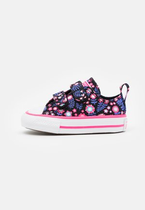CHUCK TAYLOR ALL STAR FLOWER POWER - Sneakers basse - black/bold pink/purple sapphire