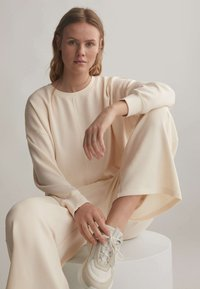 OYSHO - Trousers - white - 4