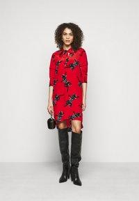 Diane von Furstenberg - LYNN DRESS - Vapaa-ajan mekko - medium red - 1