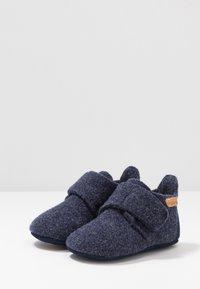 Bisgaard - BABY HOME SHOE - Domácí obuv - blue - 3