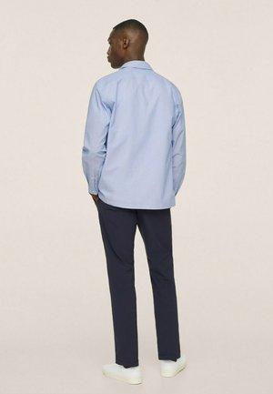SEERSUCKER RESPIRANTE - Formal shirt - bleu