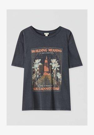 MIT GEBÄUDEMOTIV - Print T-shirt - dark grey