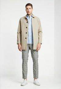 Selected Homme - SLHSLIMMARK WASHED - Formal shirt - light blue - 1