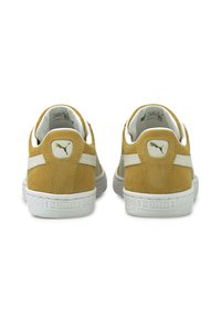 Puma - SUEDE CLASSIC - Trainers - honey mustard - white