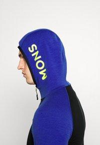Mons Royale - TRAVERSE FULL ZIP HOOD - Training jacket - ultra blue/black - 3