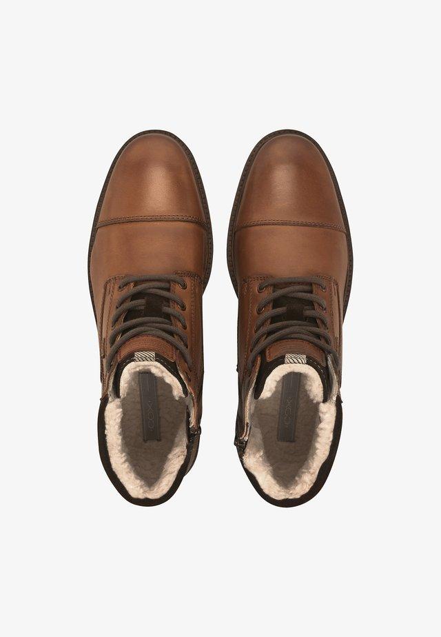 WINTER-BOOTS  - Winter boots - mittelbraun