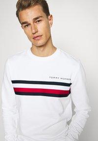 Tommy Hilfiger - LOGO - Sweatshirt - white - 4
