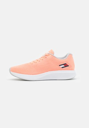 TS SPORT 3 WOMEN - Neutral running shoes - neon coral