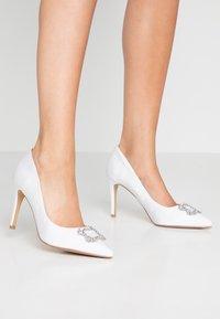 Dorothy Perkins - GLAD SQUARE COURT SHOE - High heels - white - 0