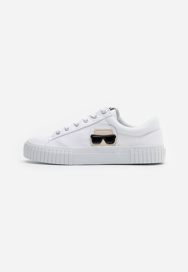 KAMPUS IKONIC LACE - Sneaker low - white