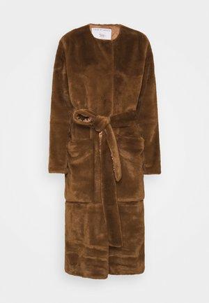 SOLFERINO - Klasický kabát - caramel