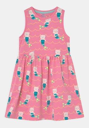 MERKITTEN DRESS - Jersey dress - pink