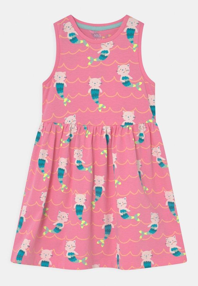 MERKITTEN DRESS - Jerseykleid - pink