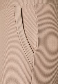 Nly by Nelly - WIDE POCKET PANTS - Bukse - beige - 5