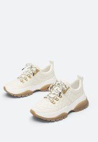 Uterqüe - Sneakers laag - white - 2