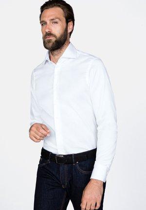 RIVARA - Formal shirt - weiß