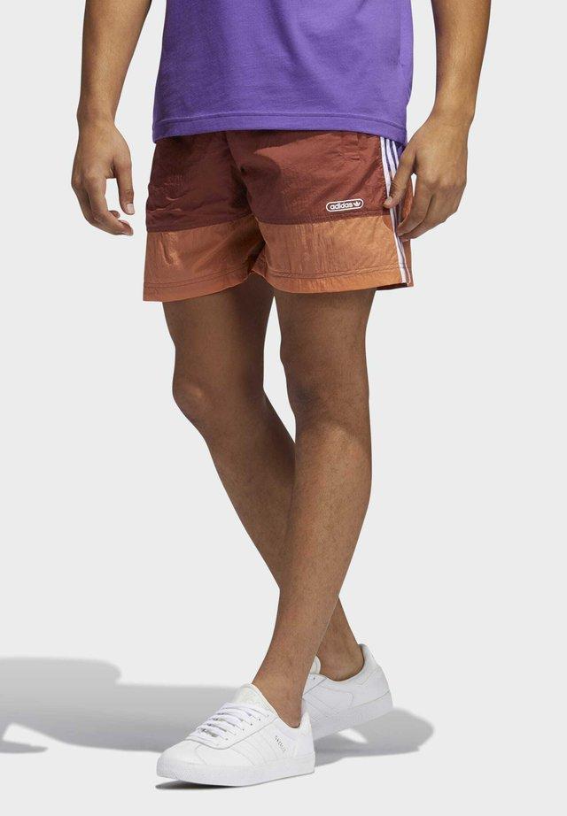WOVEN SHORT - Shorts - brown