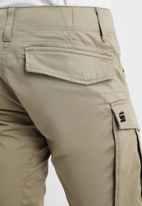 G-Star - ROVIC ZIP 3D STRAIGHT TAPERED - Cargo trousers - dune - 3