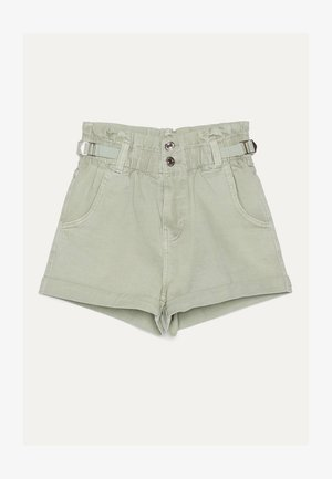 MIT STRETCHBUND UND GÜRTELSCHLAUFEN - Denim shorts - green