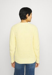 GAP - DIRECTIONAL RELAXED CREW - Neule - bold yellow - 2