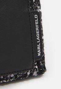 KARL LAGERFELD - SOHO SMALL - Across body bag - black - 3