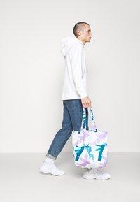 STUDIO ID - PRINT UNISEX - Shopping Bag - multicoloured/blue/purple - 0