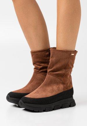 Platform ankle boots - nugat