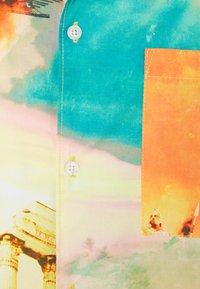 Sweet SKTBS - UNISEX SWEET HOLIDAY SHIRT - Shirt - multi-coloured - 2