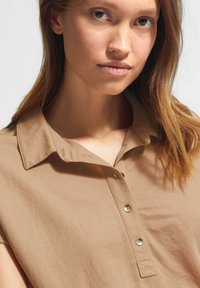 comma - Polo shirt - sahara - 2
