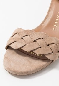 Pedro Miralles - Sandals - sable - 2