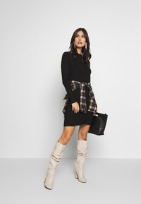 Esprit Collection - Pletené šaty - black - 1