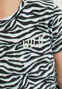 WE Fashion - MET DESSIN EN STRUCTUUR - Jersey dress - multi-coloured - 2