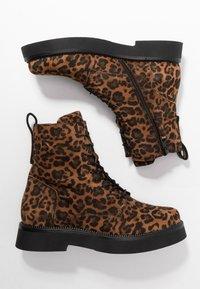 MJUS - Kotníkové boty na platformě - sella - 3