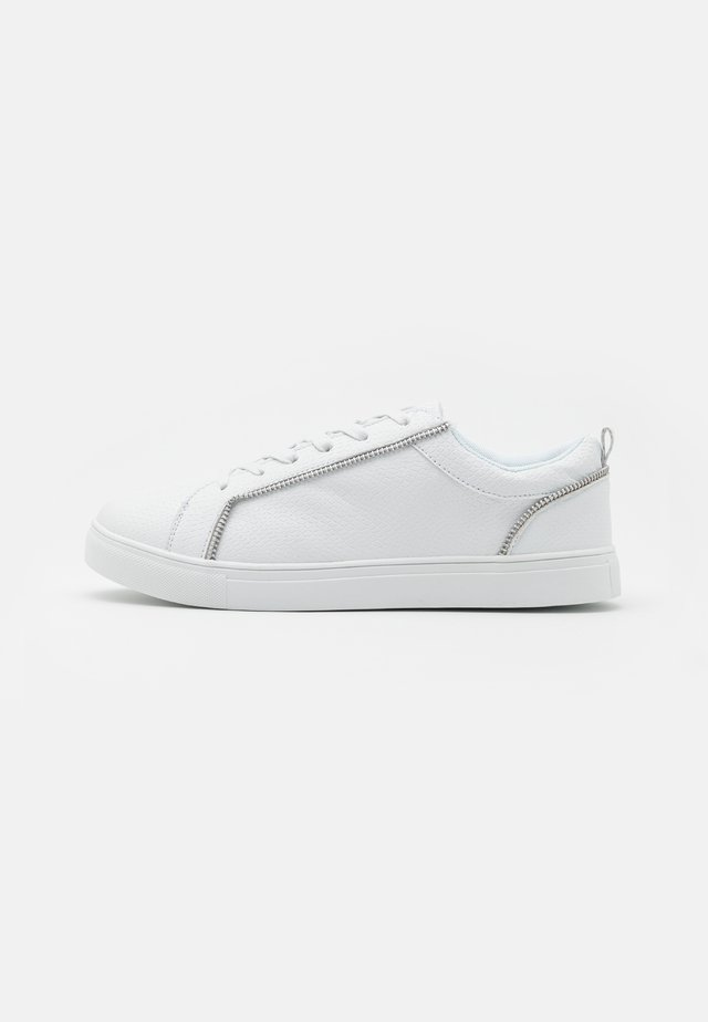 TIMMY - Trainers - white