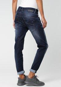 Gang - RELAXED FIT NEW GEORGINA - Slim fit jeans - vivid dark vintage - 3