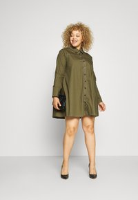 Missguided - CONTRAST STITCH DRESS - Shirt dress - khaki - 1