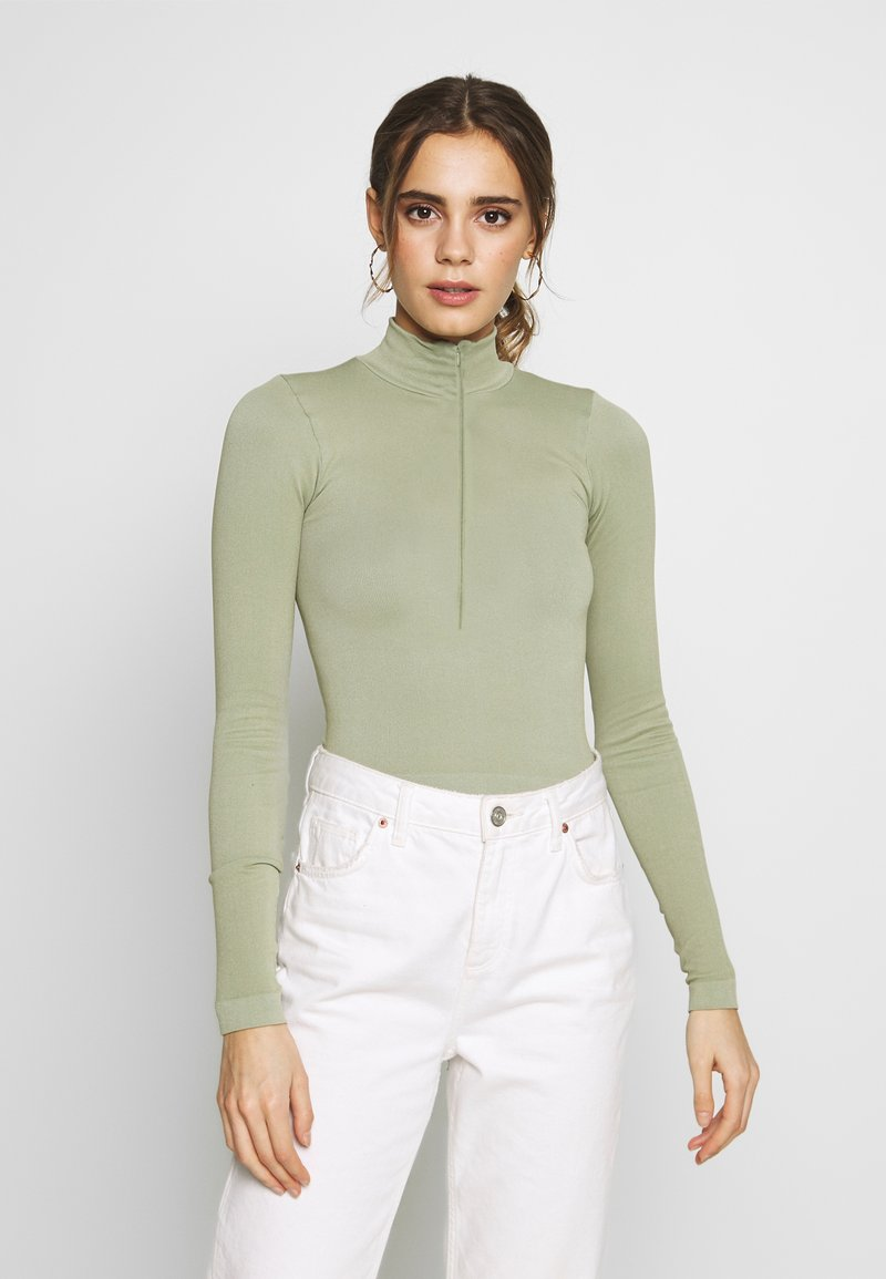 BDG Urban Outfitters - ZIP FUNNEL - Long sleeved top - green smoke