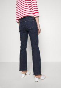 GAP - PEARL - Bootcut jeans - dark rinse - 4
