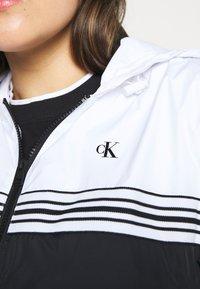 Calvin Klein Jeans Plus - STRIPE TAPE - Windbreaker - white - 5