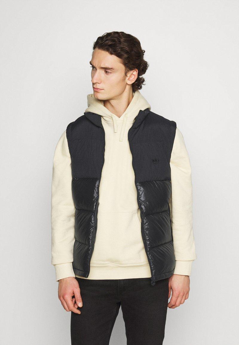 adidas Originals - REGEN VEST - Waistcoat - black