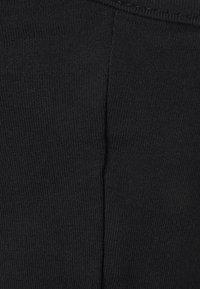 Missguided - ONE SHOULDER CROP 2 PACK - Topper langermet - black/red - 2
