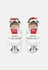 Geox - DISNEY MINNIE MOUSE BABY NEW FLICK GIRL - Matalavartiset tennarit - white/black - 3